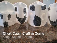 Ghost Catch Craft and Game. use milk jugs and some bean bags to make a halloween gross motor game for preschool age kids. Fun Halloween Games, Halloween Themes, Halloween Crafts, Preschool Halloween, Halloween Party, Therapy Activities, Activities For Kids, Movement Activities, Ghost Crafts