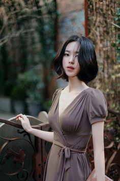 """Mang một vẻ đẹp nhẹ nhàng, nữ tính, cùng thần thái """"không vướng bụi trần"""", cô nàng xinh đẹp đến từ Hàn Quốc này sẽ khiến bạn liên tưởng đến 4 chữ """"thần tiên tỷ tỷ""""."""