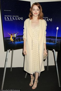 La La Land stars Emma and Ryan Gosling and centers on a jazz pianist who falls for an aspi...