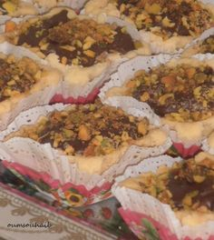 gâteaux algériens faciles aux noix Desert Recipes, Cake Cookies, Biscuits, Fudge, Sandwiches, Deserts, Snack Recipes, Sweets, Cooking