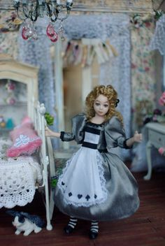 Kammys Creations Miniature My English Cottage  1:12 scale Alice by Terrie Weyer Wertz