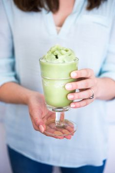 Cool and refreshing, frozen matcha green tea slushies are just what the doctor ordered on Green Tea Before Bed, Green Tea Recipes, Morning Drinks, Latte Recipe, Matcha Green Tea, Healthy Cookies, Slushies, Almond Milk