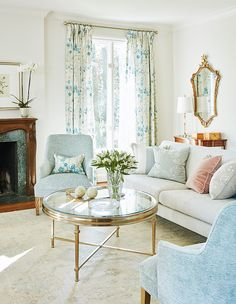 Get designer Sarah Richardson makeover tips for a transformation without the demolition of a total renovation that mixes Southern and English charm. Sarah Richardson, Sara Richardson Design, Glam Living Room, Home And Living, Living Room Furniture, Living Spaces, Living Rooms, Furniture Styles, Beautiful Interiors