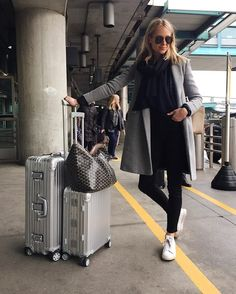Amy jackson, airport style travel outfits, travel style, travel chic, a Amy Jackson, Travel Chic, Travel Style, Travel Fashion, Airport Style Travel Outfits, Business Travel Outfits, Winter Travel Outfit, Look Adidas, Airport Look
