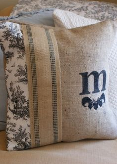 Neat idea for pillow...website is in French