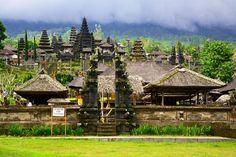 Pura Besakih, largest Hindu shrine of island