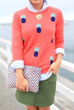 Love the bright colors and pineapples