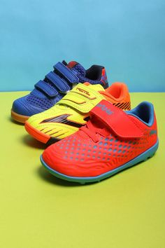brand new 9e1b3 cc86c Calzado fútbol niño con velcro