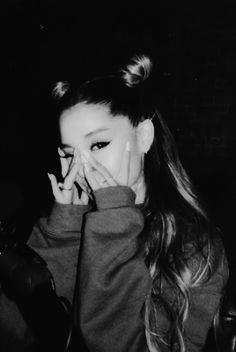 loving her hair Ariana Grande Tumblr, Ariana Grande Ft, Ariana Grande Photos, Adriana Grande, Ariana Grande Dangerous Woman, A Series Of Unfortunate Events, Bae, Big Sean, Sabrina Carpenter