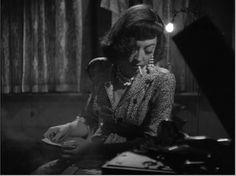 "Marie Windsor in ""The Narrow Margin"" (1952)"