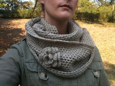 crochet infinity scarf - free pattern, but is now UNAVAILABLE.  I hate when they do this.  Such a bummer.  Maybe it will be reposted and still be free.  I hope.