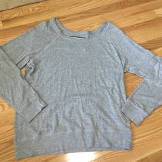 Abercrombie sweater Definitely a favorite of mine. Super soft, light sweater for spring or fall. Would best fit a medium Abercrombie & Fitch Sweaters Crew & Scoop Necks