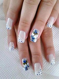 Everyone loves the flower and nail art designs with the flower is very popular. You can try flower nail designs freehand using a brush or using a stamp. Beautiful Nail Designs, Cute Nail Designs, Beautiful Nail Art, Trendy Nail Art, New Nail Art, Flower Nail Designs, Acrylic Nail Designs, Floral Designs, Fabulous Nails