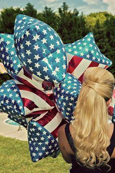 #vintage  #vintageswimsuit  #charlottephotographer  #charlotteportraitphotographer  www.tommyholtphotography.com