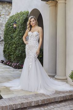 Style 2441 Paisley | Strapless Fit and Flare 3D Lace Wedding Dress by Casablanca Bridal | Casablanca Bridal Ballroom Wedding Dresses, Wedding Gowns, Lace Wedding, Dream Wedding, Bridal And Formal, White Bridal, Paisley Wedding, Strapless Sweetheart Neckline, Bridal Boutique