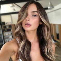 60 Stunning Balayage Hair Color Ideas for Long Haircuts 2018 - Hair Beauty What Is Balayage Hair, Hair Color Balayage, Ombre Hair, Balayage Brunette Long, Hair Color Ideas For Brunettes Balayage, Bayalage, Blonde Color, Brunette Balayge, Brunette Highlights Summer