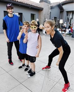 """Celine Dion poses with twin sons on their birthday -- """"My sweet boys"""" Celine Dion Sons, Sweet Boys, Top Singer, Maureen O'hara, Kylie Jenner, Celebrity News, Twins, People, Celebs"""