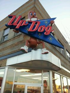 For A Unique Dining Experience Don't Miss Eating At Updog