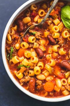 Easy and tasty instant pot pasta e fagioli soup is full of comforting, savory flavors that will warm you all season long. pot recipes skinnytaste Instant Pot Pasta e Fagioli Soup Pasta Recipes, Soup Recipes, Cooking Recipes, Recipe Pasta, Recipies, Instant Pot Pressure Cooker, Pressure Cooker Recipes, Pressure Cooking, Pasta E Fagioli Soup