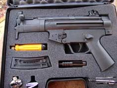 GSG-5PK 22 Pistol, Ruger 10/22, You Magazine, Toys Shop, Zombie Apocalypse, Hand Guns, Fingers, Magazines, Dads