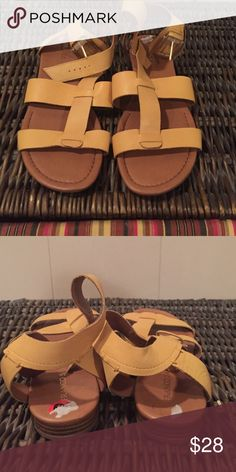 Women's harvest yellow sandals Women's harvest yellow sandals! Never worn! Size 10! Purchase from TJ maxx super cute, but they just don't look right on me! Franco Sarto Shoes Sandals