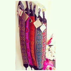 Correas para tu cámara hechas a mano con telares y piel reutilizada Handmade camara straps made with loom and reused leather