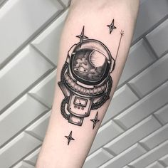 If you are looking for Astronaut Tattoo then you are in right place. Here you will get cool space tattoo ideas for your body art tattoo designs. Full Arm Tattoos, Tattoos For Women Half Sleeve, Body Art Tattoos, Hand Tattoos, Small Tattoos, Sleeve Tattoos, Arm Tattoos For Men, Tatoos, Astronaut Tattoo