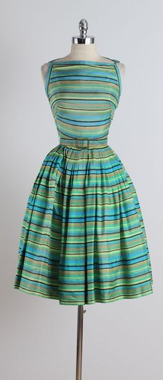 Sunsetter Awning . vintage 1960s dress . by millstreetvintage