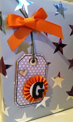 Etiquetas DIY por Bangaboo Scrap #scrapbooking #tags #regalos #wrapping Advent Calendar, Diy, Holiday Decor, Blog, Home Decor, Tags, Presents, Decoration Home, Bricolage
