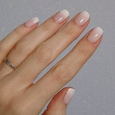 New Nails White Square French Manicures 52 Ideas nageldesign kurz New Nails White Square French Manicures 52 Ideas Nude Nails, White Nails, Gel Nails, Nail Polish, Ombre Gel Polish, Manicure Natural, Gel On Natural Nails, Simple Acrylic Nails, French Tip Nails