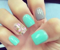 So beautiful blue nail design!