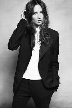 Columbine Smille Black and white style Androgynous Fashion, Tomboy Fashion, Look Fashion, Fashion Ideas, Office Fashion, Suit Fashion, Fashion Design, Looks Style, Style Me