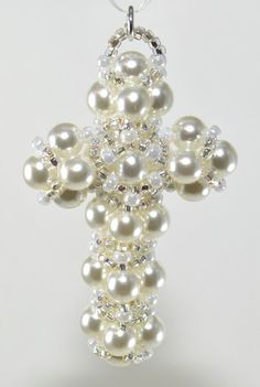 Pearl Cross Pendant A PDF Beading Pattern von AndreaCatherineJewel