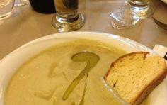 Macco di fave - Ricetta per preparare il macco di fave, una ricetta tipica della cucina siciliana in cui si usano le fave secche decorticate e il finocchietto selvatico.