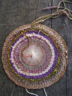 en-rHed-ando tejer en circular                                                                                                                                                                                 Más