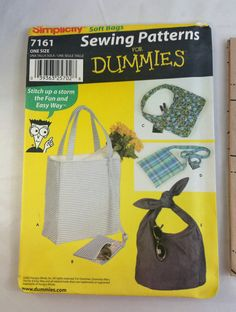 A factory folded, uncut Simplicity bag / purse pattern.   Style - 7161 Size - One Size Pattern - Soft Bag  The patterns envelope may have some damage.