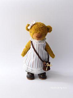 Leni – 8 inches (21 cm), One of a Kind Artist Teddy Bear by Handmade by Enna