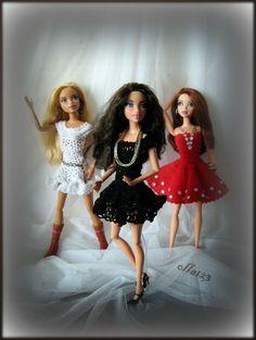 Blog o Barbie Fashionistas firmy Mattel, próbach tworzenia dla nich ubrań oraz o sztuce fotografii: Red, black, white...