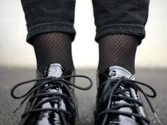 Conseil styling: portez vos moccasins avec des chaussettes en nylon imprimé pour un look tendance | Elementz@brantano