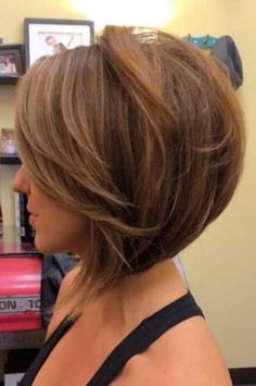 wanna give your hair a new look? Inverted bob hairstyles is a good choice for you. Here you will find some super sexy Inverted bob hairstyles, Find the best one for you, Bob Style Haircuts, Inverted Bob Hairstyles, Popular Short Hairstyles, Hairstyles Haircuts, Haircut Bob, Haircut Short, Angeled Bob Haircut, Trendy Hairstyles, Brown Hairstyles