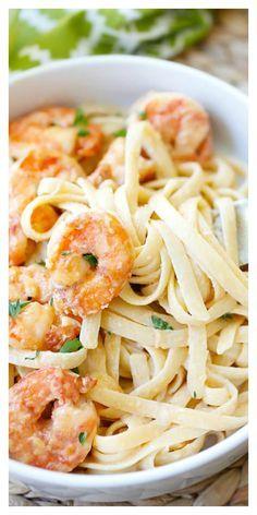 Crispy shrimp pasta – the best shrimp pasta ever with rich creamy sauce and cajun-seasoned crispy fried shrimp. So easy to make and takes only 30 mins | http://rasamalaysia.com