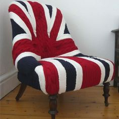 The recent spate of union jack products has left me rather bored of the red, white and blue pattern, but the Albert Chair by Melanie Porter is a different Union Jack Decor, Dear World, Union Flags, Knit Art, Furniture Covers, Weird Furniture, Furniture Ideas, Take A Seat, My New Room