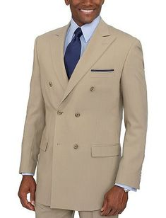 How To Buy Clothing That Suits the Athletic Body Type Most Expensive Clothes, Dressing Your Body Type, Athletic Body Types, Color Coordination, Herren Outfit, Summer Suits, Double Breasted Jacket, Men's Wardrobe, Business Dresses