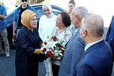 Emine Erdoğan'dan huzurevi ziyareti. - Haber Turca