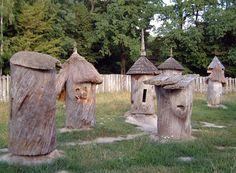 beehives.jpg 555×409 pixels    ukrane beehives