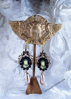 Catholic Virgin Mary Religious Cameo Handmade Earrings #CameoDangle www.letyscreations.com