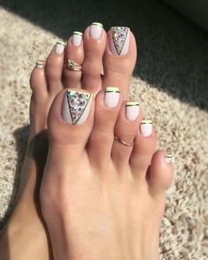 Make an original manicure for Valentine's Day - My Nails Simple Toe Nails, Pretty Toe Nails, Cute Toe Nails, Dope Nails, Pedicure Designs, Pedicure Nail Art, Toe Nail Designs, Toe Nail Art, Pedicure Ideas