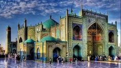 Mazar-i-Sharif Blue Mosque in Afghanistan Islamic Architecture, Art And Architecture, Islamic Paintings, Blue Mosque, Exotic Places, Fairy Houses, Countries Of The World, Islamic Art, Holiday Travel