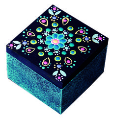 Joyero de madera, elaborado con las técnicas de puntillismo y esponjeado y las témperas CANTILAN Dot Art Painting, Painting On Wood, Decorative Accessories, Decorative Boxes, Pink Streaks, Painted Wooden Boxes, Diy And Crafts, Arts And Crafts, Arte Country