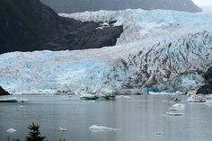 Mendenhall Glacier,Juneau, Alaska